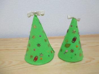 安くて簡単!卓上のクリスマスツリーの作り方。子供と一緒に手作りしたよ♪