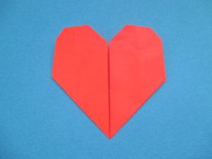 折り紙でハートの折り方。簡単に幼稚園児でも作れたよ♪手紙にもOK!