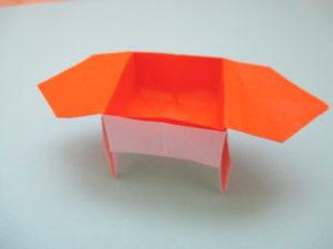 折り紙で三方の折り方。簡単に脚付きで作ってみたよ♪