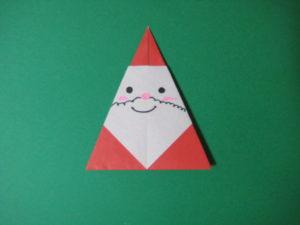 サンタの折り紙。簡単に3歳の幼児でも作れます。かわいいサンタクロースの作り方。