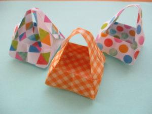 折り紙で箱の作り方。取っ手がついた可愛いバックを作ったよ♪