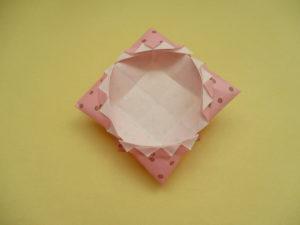 折り紙で箱の作り方。花びらのような可愛い箱を折ってみたよ♪
