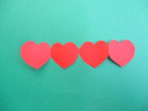 切り紙でつなぎ模様のハートの作り方。簡単にかわいいハートの切り方♪
