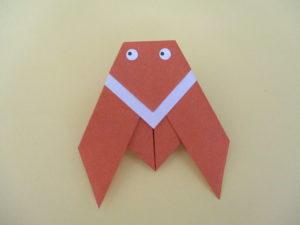 折り紙でセミの折り方。簡単に子供でも平面の蝉が作れます♪